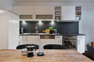A kitchen or kitchenette at Bewegte Berge
