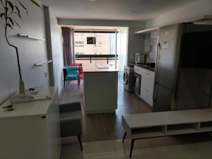 A kitchen or kitchenette at Apto Golden Gate
