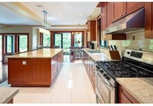 A kitchen or kitchenette at Mill Cove Luxury Home - 28 Night Min