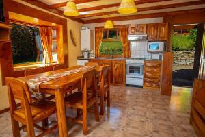 Una cocina o kitchenette en Costa Brava Apart Hotel
