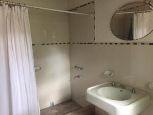 Un baño de cabaña lo de cenoz