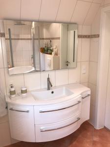 Ein Badezimmer in der Unterkunft Ferienwohnung Stargardt