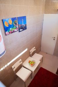 A bathroom at lia 1 room studio