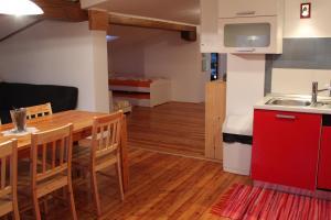 Kuhinja oz. manjša kuhinja v nastanitvi Charming apartment for travelers with children