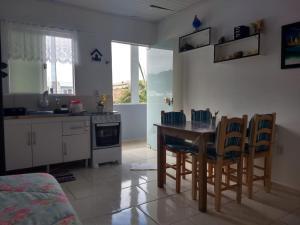 Una cocina o zona de cocina en Residencial Fernet Branca