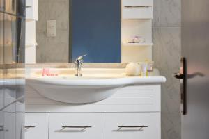 A bathroom at LUXMIL
