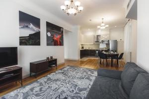 A seating area at Riga Lux Apartments - Skolas