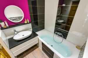 Bagno di Cozy Downtown Studio Apartment