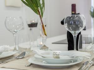 A restaurant or other place to eat at Postigo de san antonio