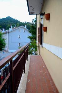 A balcony or terrace at Ovindoli Via della Fonte 52A