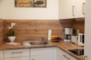 Küche/Küchenzeile in der Unterkunft Ferienwohnungen Tobian