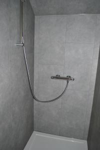 Salle de bains dans l'établissement Le Gite Bonnerue