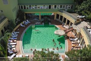 Вид на бассейн в Apartments Laguna - Terme Krka или окрестностях