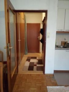 Ein Badezimmer in der Unterkunft Кleine gemütliche Wohnung im Zentrum von Salzburg