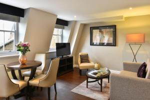 אזור ישיבה ב-Fraser Suites Queens Gate