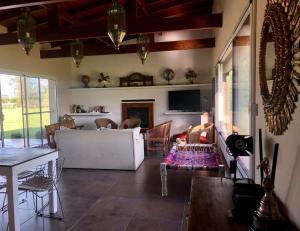 Un lugar para sentarse en BenqueVintageWines Casa Pileta en Benquerencia