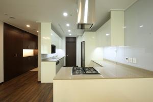A kitchen or kitchenette at Orakai Insadong Suites