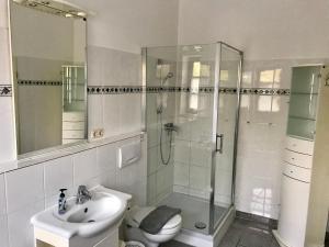 Ein Badezimmer in der Unterkunft Ferienwohnung Holtenau