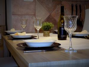 A restaurant or other place to eat at Apartments Medea
