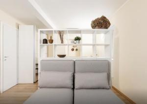 A seating area at Quiet and charming apartment in the centre