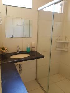 A bathroom at O CASARÃO