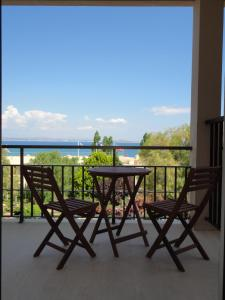 A balcony or terrace at Oceania Hotel