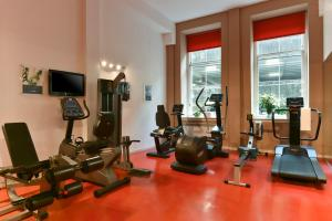 The fitness center and/or fitness facilities at Fraser Suites Glasgow