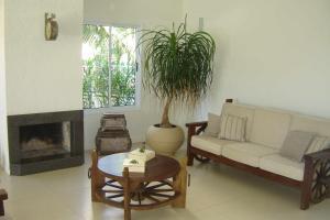 Zona de estar de Espaçosa casa em Florianópolis-Ingleses