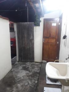 Een badkamer bij Temporada em Cabo Frio II