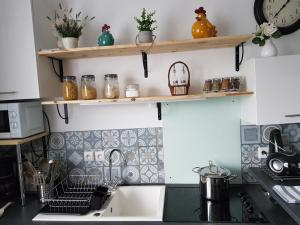 A kitchen or kitchenette at Studio Cosy