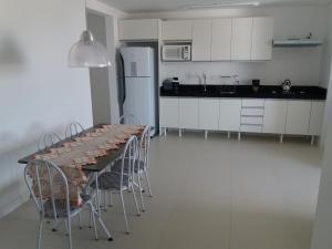 Una cocina o zona de cocina en Residencial espelho das águas
