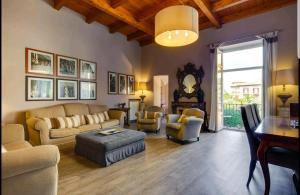"""Area soggiorno di """"Maison de charme in Tasso square"""""""