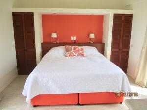 A bed or beds in a room at La Pura Vista