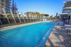 The swimming pool at or near Ocean Views Apt w Parking by Hostrelax GCRDW0P2