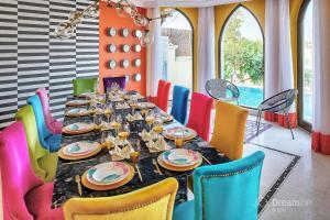 Restavracija oz. druge možnosti za prehrano v nastanitvi Dream Inn - Palm Island Retreat Villa