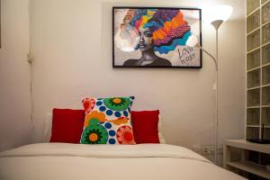 A bed or beds in a room at Lovely 1Bed Apt in Madrid