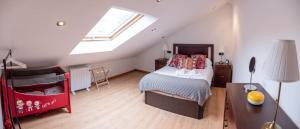 Cama o camas de una habitación en Apartamentos O Almacen