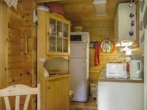 A kitchen or kitchenette at Holiday Home Anula