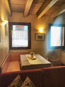 A bathroom at Venice Apartment