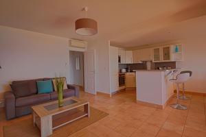 A kitchen or kitchenette at Villa 3 Hameaux des Sanguinaires