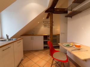 A kitchen or kitchenette at Zweite Heimat Heidelberg