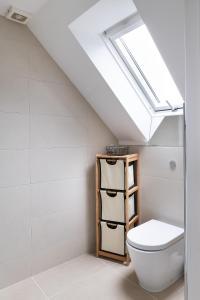A bathroom at Hampstead High Street