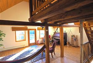A bunk bed or bunk beds in a room at Old Barn 8-10 Min to Blue Rocks or Lunenburg Heckmans Island