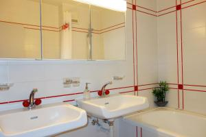 A bathroom at Exclusive Central Apartment