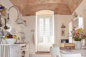 A kitchen or kitchenette at Spello House Patio