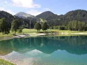 A piscina localizada em Bergkaiser ou nos arredores