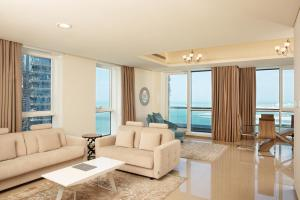 A seating area at Barceló Residences Dubai Marina