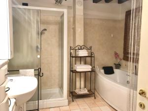 A bathroom at Prato Della Valle Sweet Suite