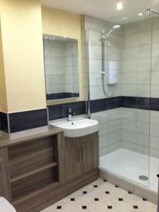 A bathroom at Bail Mews