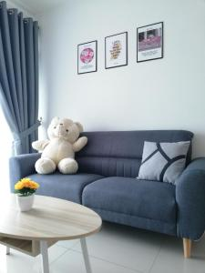 A seating area at Love&Leisure Homestay 4r3b Opp SPICE Arena Penang